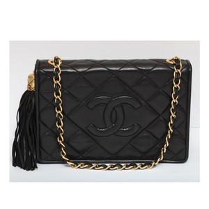 2beea454b7ddfa Chanel Vintage Lambskin Small Tassel Single Flap Black Cross Body Bag