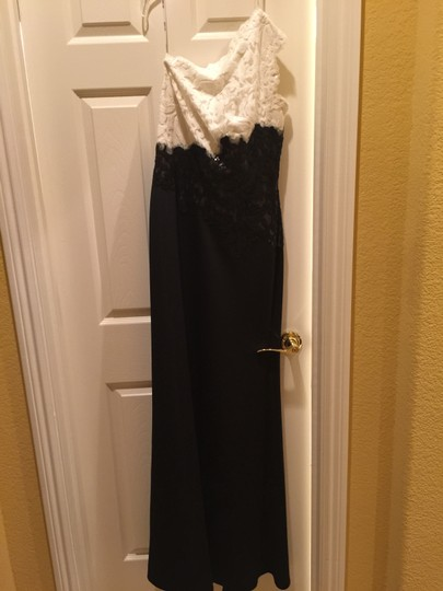 Tadashi Shoji Black and White Sequins Satin Finish On Formal Bridesmaid/Mob Dress Size 8 (M)