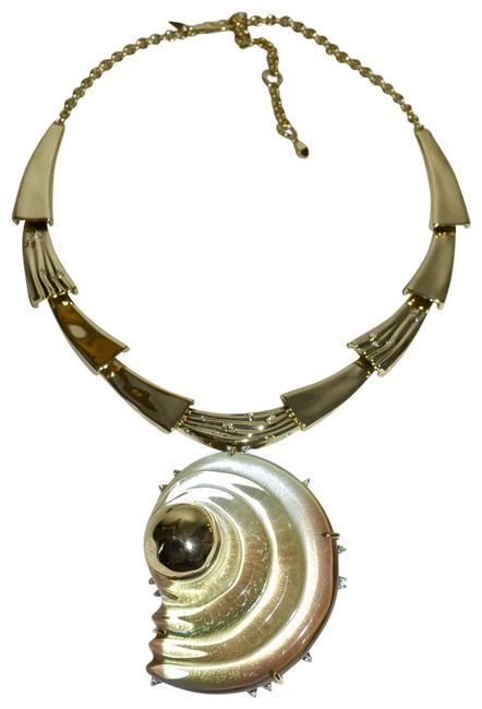 Item - Beige Sculptural Shell Convertible Pin Pendant Necklace