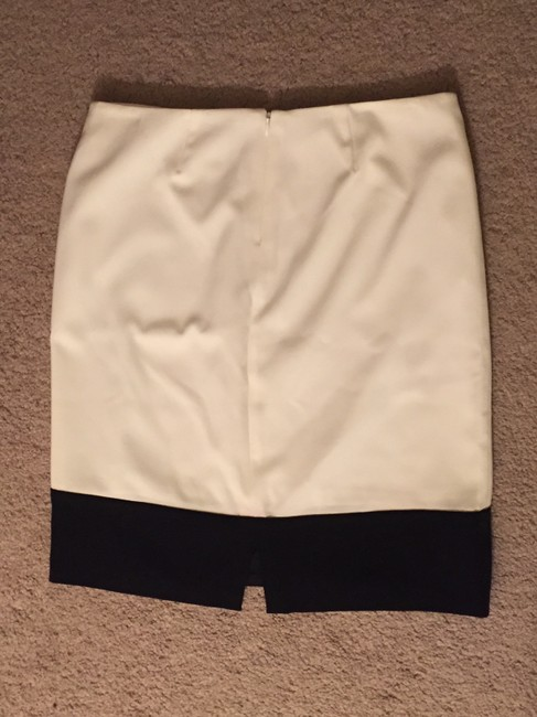 White House | Black Market Pencil Color-blocking Work Office Skirt White and Black