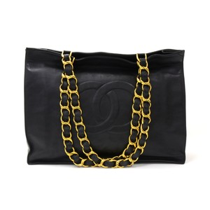 Chanel Shopping Chain Shoulder Tote in Black