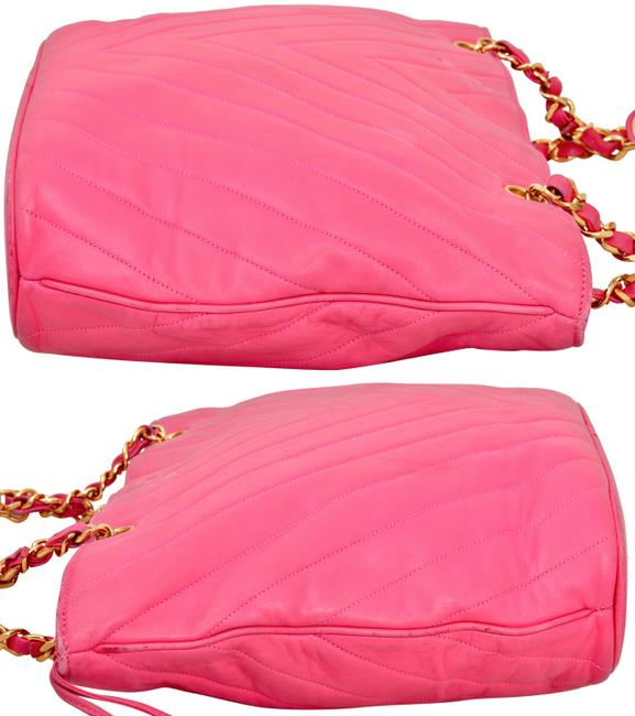 """Chanel 15.25"""" Inch Chevron Quilted with Gold Chains Pink Lambskin Leather Shoulder Bag Chanel 15.25"""" Inch Chevron Quilted with Gold Chains Pink Lambskin Leather Shoulder Bag Image 4"""