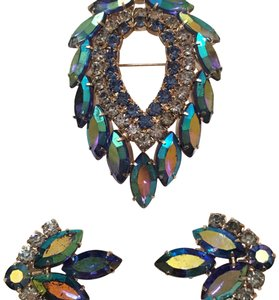 Sarah Coventry Vintage 1960s Sarah Cov Blue Lagoon Design Brooch Pin & Earrings
