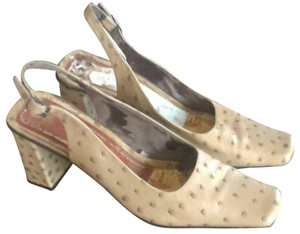 Nickels Funky Stylish On Trend Unique tan Pumps