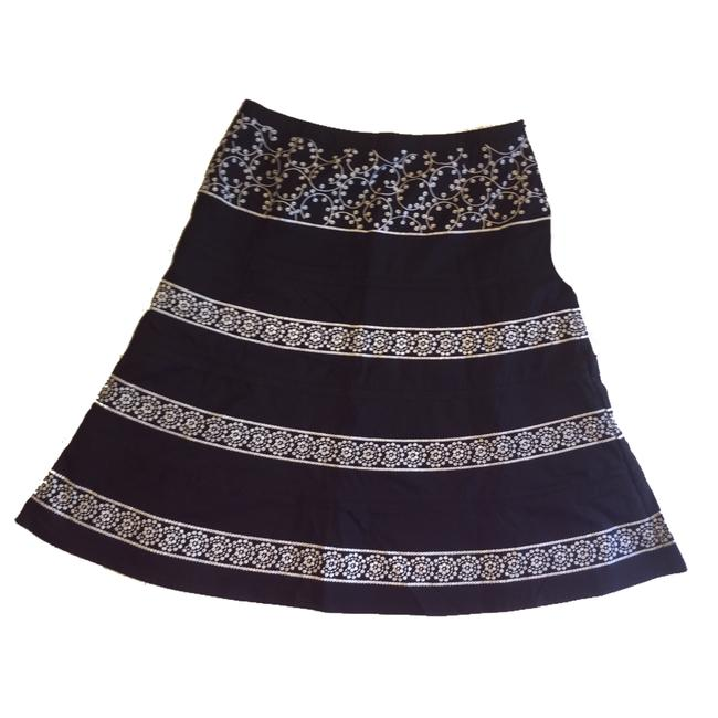 Preload https://img-static.tradesy.com/item/22528787/autograph-black-and-white-a-line-skirt-size-4-s-27-0-0-650-650.jpg