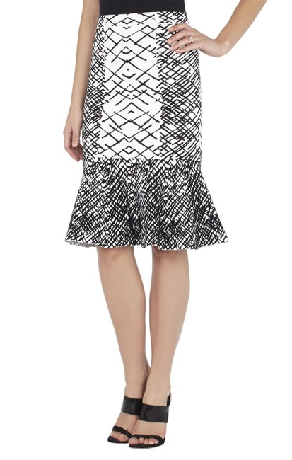 Preload https://img-static.tradesy.com/item/22529144/bcbgmaxazria-black-and-white-bethani-jacquard-peplum-skirt-size-8-m-29-30-0-0-650-650.jpg