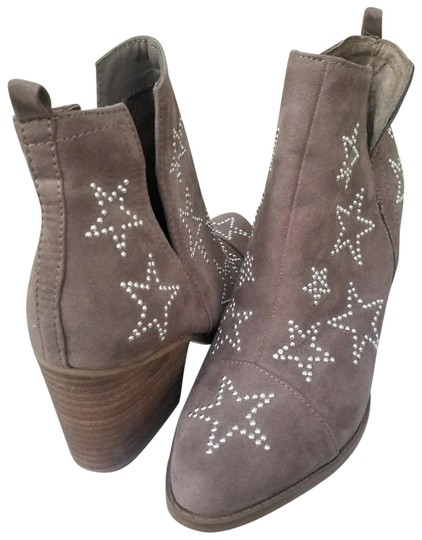 Preload https://img-static.tradesy.com/item/22529277/carlos-by-carlos-santana-taupe-and-star-studded-westerly-bootsbooties-size-us-75-regular-m-b-0-1-540-540.jpg