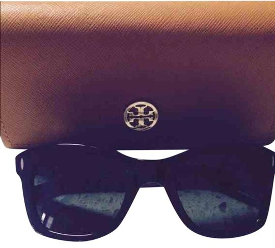 Preload https://item5.tradesy.com/images/tory-burch-tory-burch-sunglasses-2252944-0-0.jpg?width=440&height=440