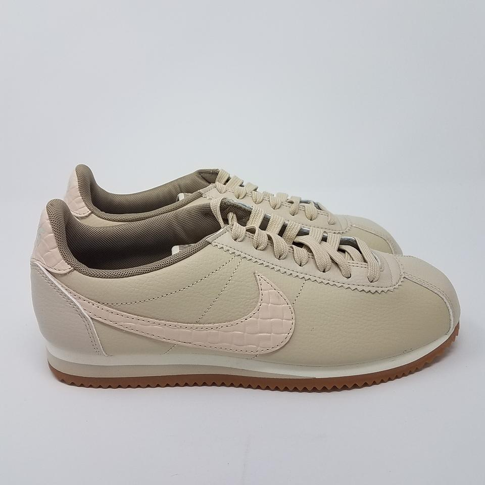 nike beige leather classic cortez low top sneakers size eu. Black Bedroom Furniture Sets. Home Design Ideas