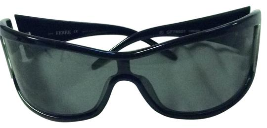 Preload https://img-static.tradesy.com/item/22530387/black-with-silver-tone-f-on-the-sides-glasses-themselves-are-black-but-not-really-dark-sunglasses-0-1-540-540.jpg