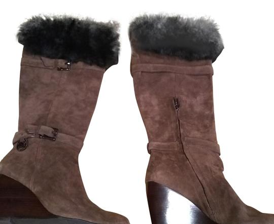 Preload https://img-static.tradesy.com/item/22530761/michael-kors-brown-suede-bootsbooties-size-us-9-regular-m-b-0-2-540-540.jpg