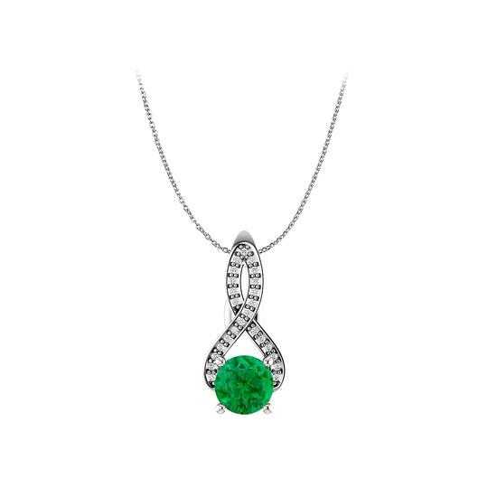 Preload https://img-static.tradesy.com/item/22530994/green-silver-round-emerald-cz-infinity-style-pendant-in-925-necklace-0-0-540-540.jpg