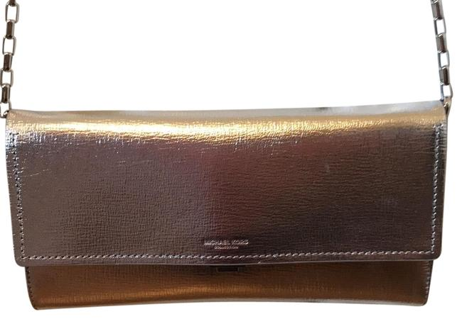 Item - Large Yasmeen Silver Leather Clutch