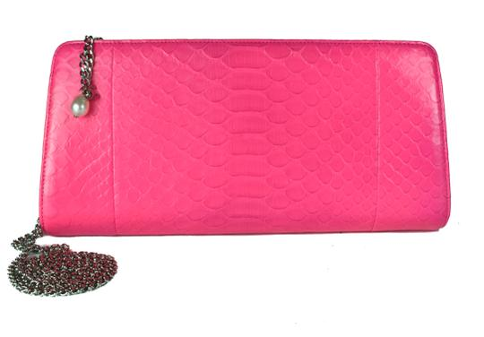 Preload https://img-static.tradesy.com/item/22532840/chanel-clutch-snakeskin-pink-leather-shoulder-bag-0-0-540-540.jpg
