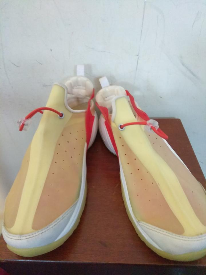 brand new 1cf42 30419 Nike Red white cream Athletic Image 3. 1234