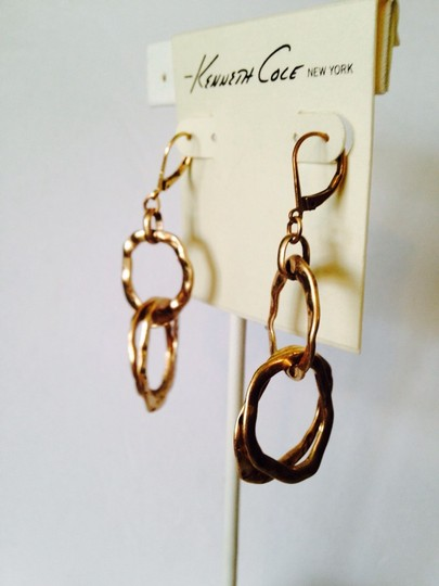 Kenneth Cole NWOT Hammered Matt Double Circle Link Gold-Tone Earrings