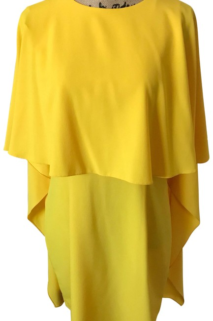 Item - Yellow Cape Short Formal Dress Size 12 (L)