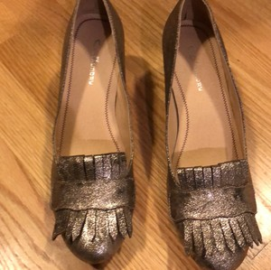 CL by Chinese Laundry gold Pumps