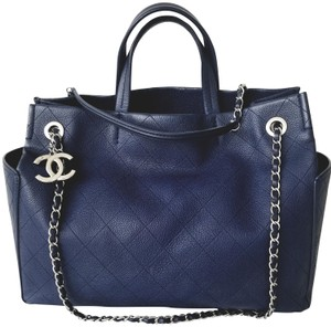 Chanel Casual Calfskin Leather Caviar Leather Tote in Blue