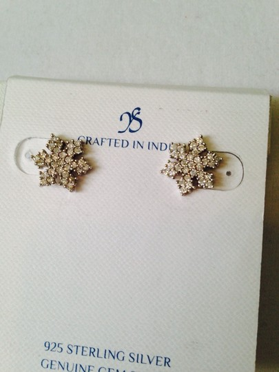 JS Collections NWOT Snowflake Cubic Zirconia In Sterling Silver Stud Earrings
