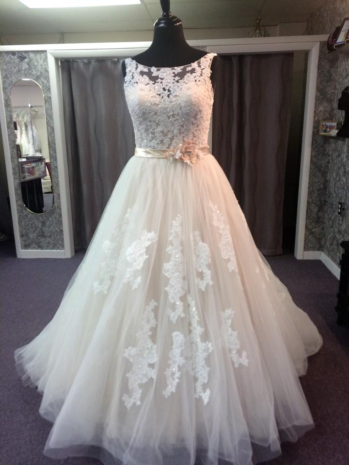 Alfred Angelo Ivory/Champagne Lace and Tulle 2508 Formal Wedding ...