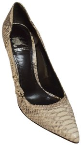 Burberry Snakeskin Made In Italy. Beige Pumps