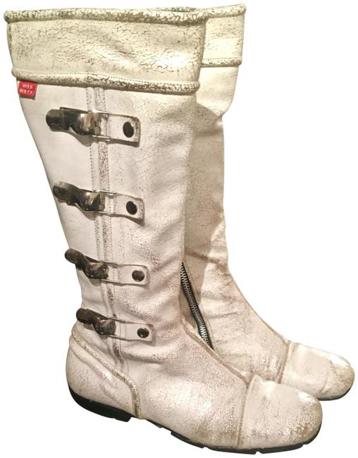 Item - White-silver Cracked White Leather Silver Hardware Boots/Booties Size EU 38 (Approx. US 8) Regular (M, B)