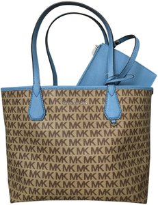 Michael Kors Candy Reversible with Pouch Beige Blue Coated Canvas ... 979354ffd9c2d