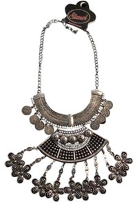 Fashion Jewelry For Everyone statement necklace