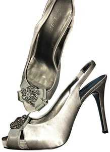 b8f9acd170 Women's Grey Nine West Shoes - Up to 90% off at Tradesy