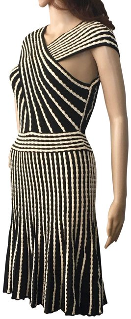 Preload https://img-static.tradesy.com/item/22542429/m-missoni-black-and-white-pleated-crossover-front-mid-length-cocktail-dress-size-6-s-0-1-650-650.jpg