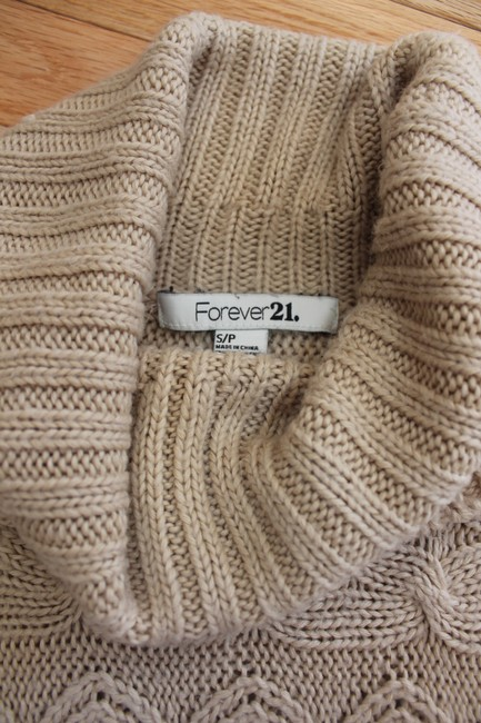 Forever 21 Short Sleeves Cable Knit Sweater