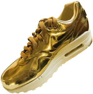 Nike Limited Edition Liquid Gold Athletic
