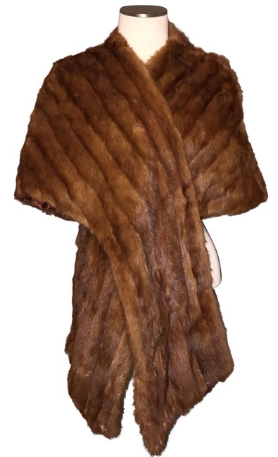 Preload https://img-static.tradesy.com/item/22543417/brown-mink-stole-wrap-cape-poncho-coat-size-os-one-size-0-1-650-650.jpg