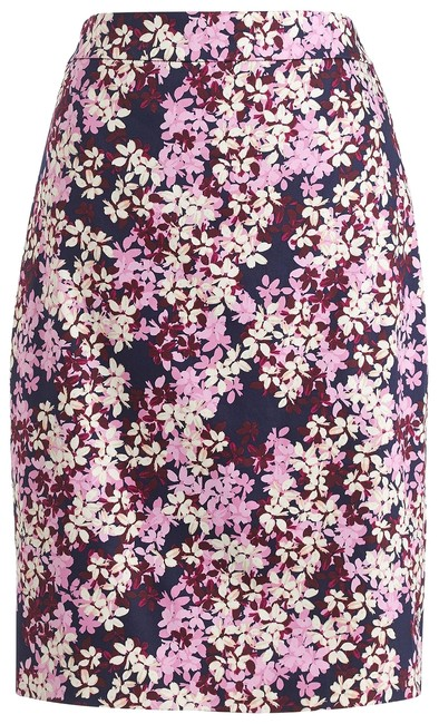 Preload https://item2.tradesy.com/images/jcrew-multicolor-printed-pencil-in-sateen-dot-knee-length-skirt-size-10-m-31-22543616-0-1.jpg?width=400&height=650