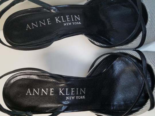 AK Anne Klein Slingback Criss-cross Black and White Fabric Pumps Image 8