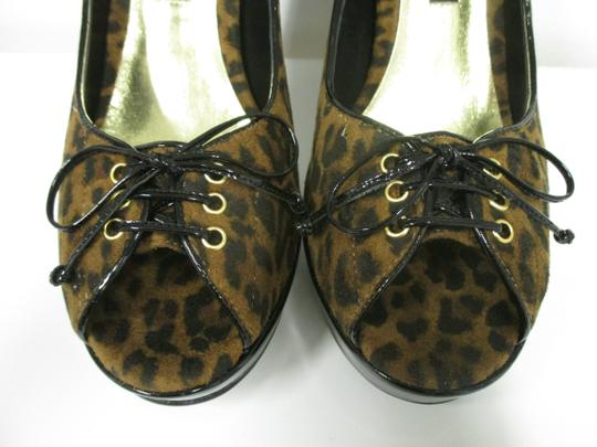 Beverly Feldman Animal Print New In Box Black and brown Pumps Image 2