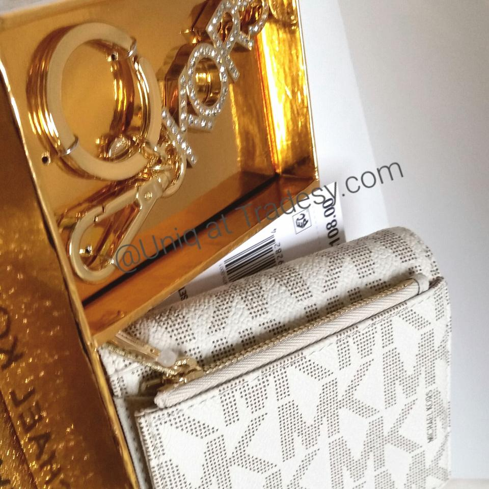 0d4a7bed7ee0 Michael Kors MK Boxed Holiday Gift Set Bundle Wallet / Coin Change purse +  Keychain Image. 123456