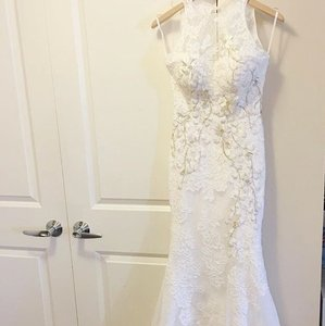 0a089dbe7c BHLDN White Lace Jensen Gown Feminine Wedding Dress Size 2 (XS)