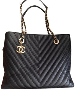 Chanel Black Lambskin Leather Quilted Chevron Large Tote Bag from ... : chanel quilted chain bag - Adamdwight.com
