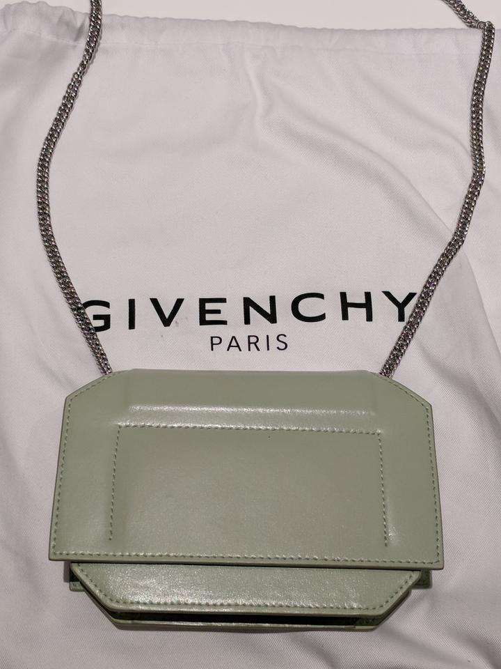 2053746b77 Givenchy Bow-cut Flap Wallet On Chain Mint Leather Cross Body Bag ...