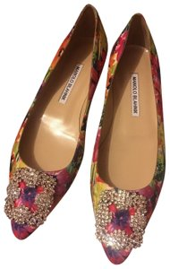 Manolo Blahnik Hangisi Floral New pink floral Flats