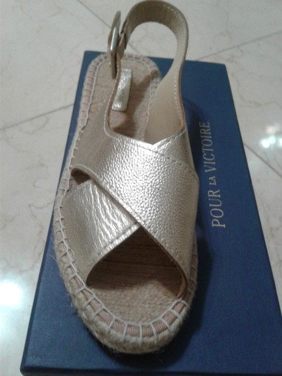 Pour La Victoire Espadrille Open Toe New Leather Comfort Gold Sandals