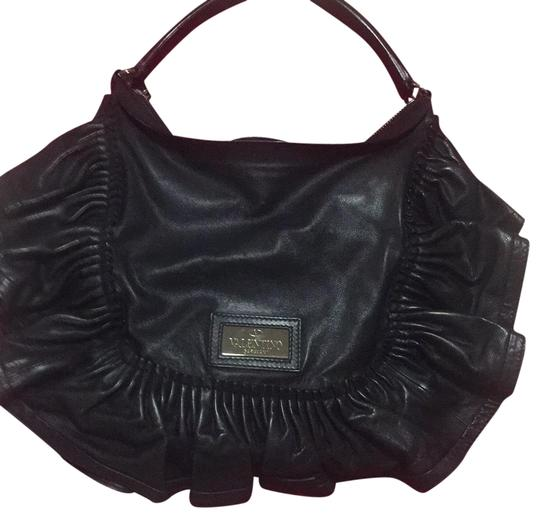 Preload https://img-static.tradesy.com/item/22555725/valentino-ruffle-this-is-their-signature-classic-ruffle-style-leather-hobo-bag-0-1-540-540.jpg