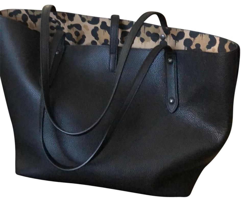 dfebc7927cda Coach Market Spacious Internal Pockets and Zipper Pouch Black with Wild  Beast Print Inside Leather Tote