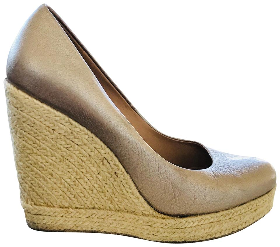 Women's Salvatore Ferragamo Gold Wedges Wedges Wedges Won highly esteemed and widely trusted at home and abroad 4b2214