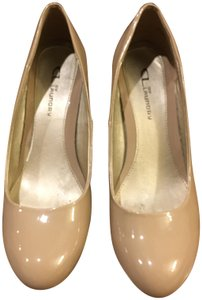 CL by Chinese Laundry Pumps nude Wedges