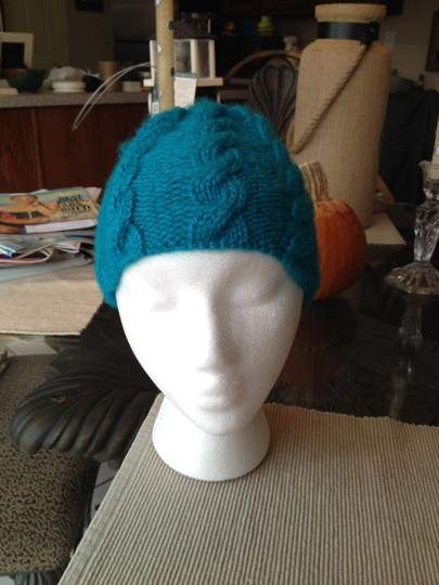 Other Teal cabled hat