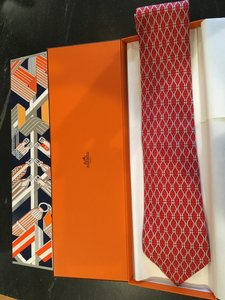 Hermès Red with Grey Accents Box W Silk - W/ W/ Sleeve Tie/Bowtie