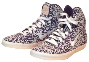 Nike navy and white print Athletic